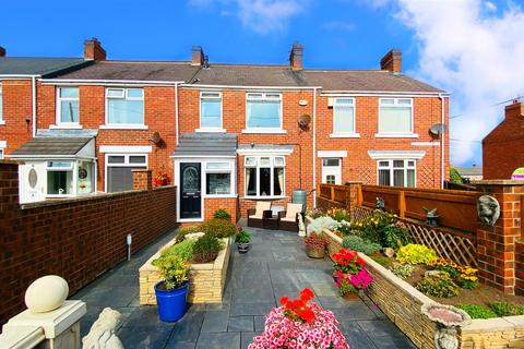 3 bedroom terraced house for sale - Swallow Street, Seaham