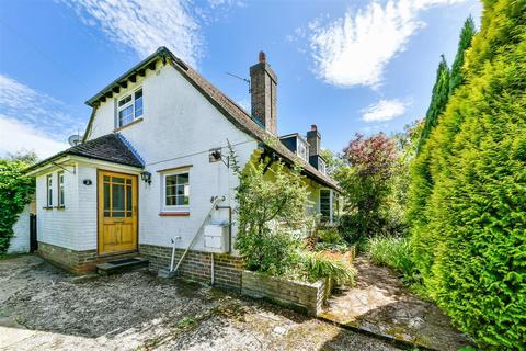 2 bedroom semi-detached house for sale - Mogador Road, Lower Kingswood, Tadworth