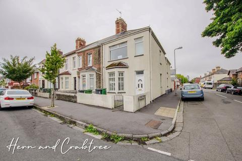 3 bedroom end of terrace house for sale - Paget Street, Cardiff