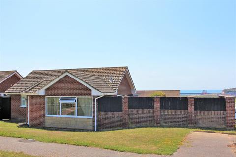 2 bedroom detached bungalow for sale - Windsor Close, Seaford