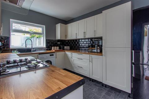2 bedroom house for sale - Jubilee Street, Grangetown, Cardiff