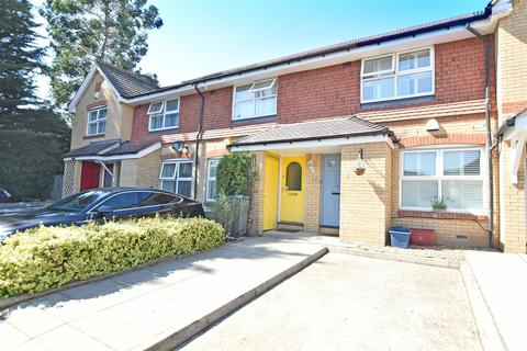 2 bedroom terraced house for sale - Taylor Close, Osterley
