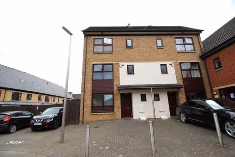4 bedroom house to rent - NEARSIDE, NEW LIFE DEVELOPMENT, ST JAMES - NN5