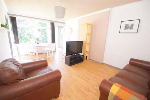 2 bedroom apartment to rent - Hillside Court, Chapel Allerton, LS7