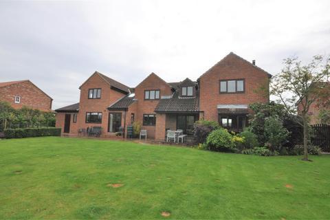 5 bedroom detached house for sale - Kendal Lane, Tockwith, York, YO26 7QN