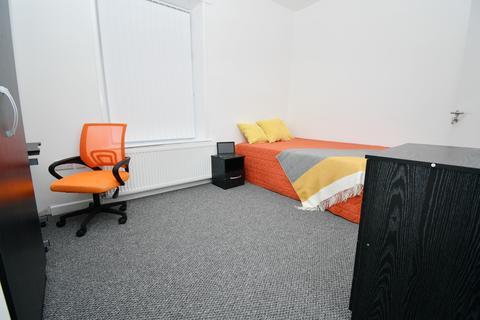 4 bedroom house share to rent - Scarlett Street, Burnley, BB11