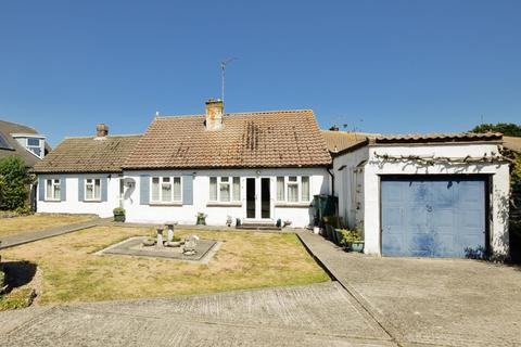 4 bedroom detached bungalow for sale - Millstrood Road, Whitstable