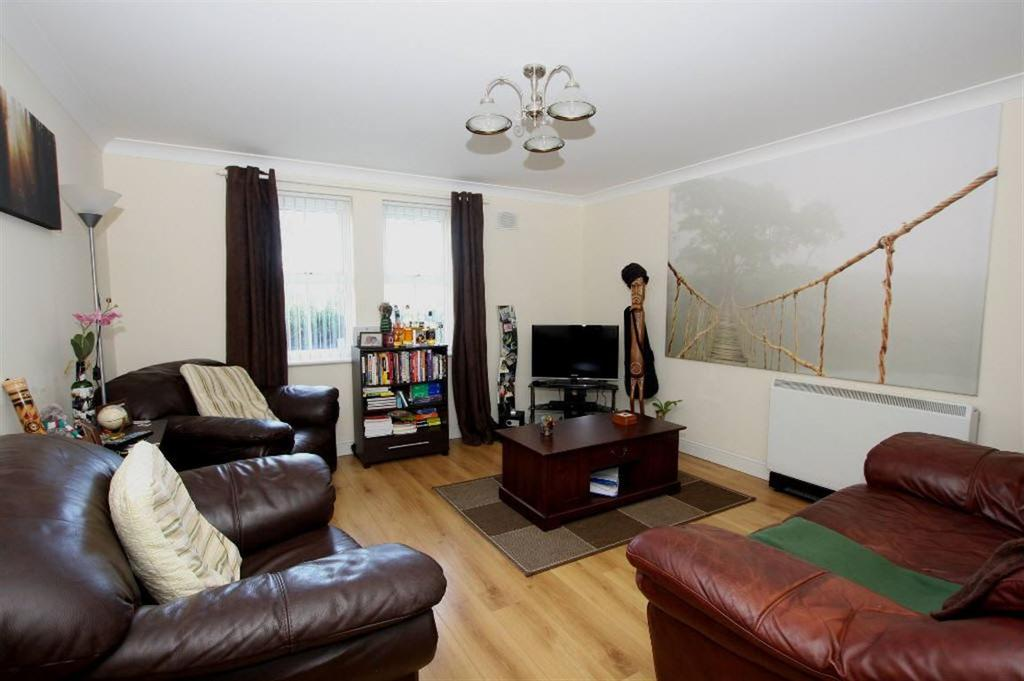 2 Bedrooms Apartment Flat for sale in Maes Deri, Ewloe