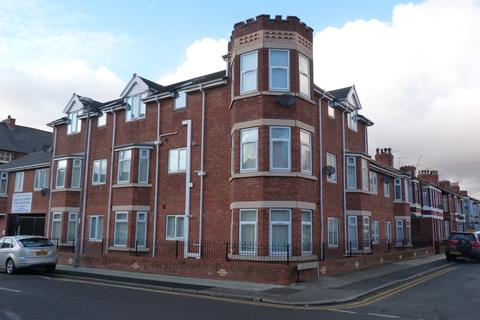 2 bedroom flat to rent - 1a Earl Road, Bootle, Merseyside, L20