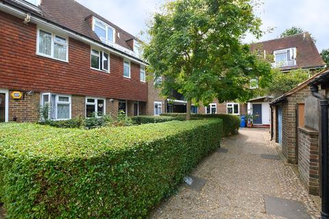 2 bedroom flat to rent - Penton Place Kennington SE17