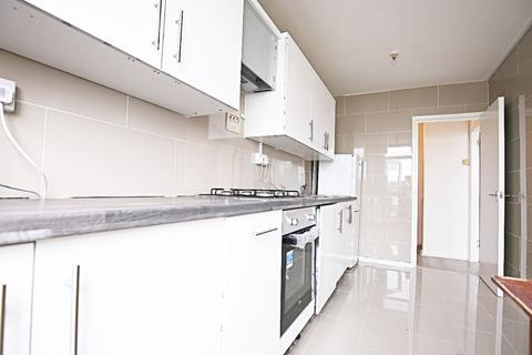 2 bedroom flat to rent - Oswell House, Farthing Fields, London