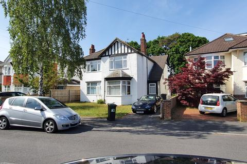 2 bedroom flat - brackendale road, queens park, bournemouth BH8