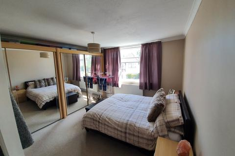 2 bedroom flat for sale - brackendale road, queens park, bournemouth BH8