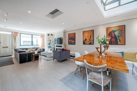 4 bedroom mews to rent - Queens Mews Bayswater W2