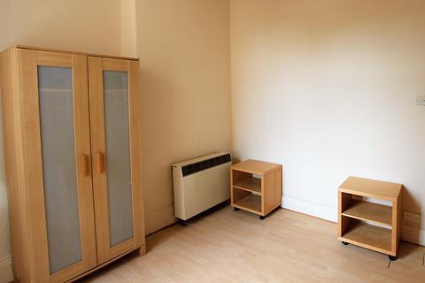 2 bedroom flat to rent - Hartington Road, Stockton On Tees TS18