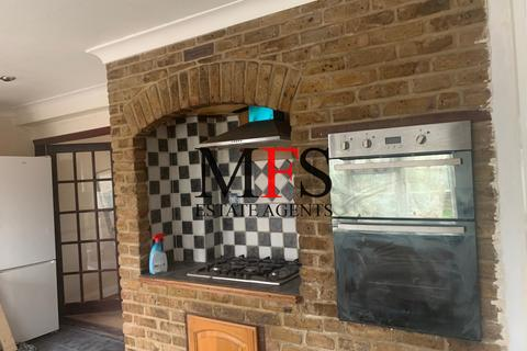 3 bedroom maisonette to rent - Bedwell Gardens, Hayes, UB3