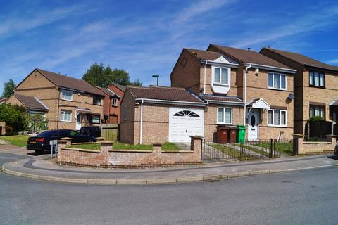 3 bedroom detached house to rent - Britannia Avenue, Nottingham NG6