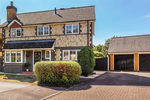 3 bedroom detached house for sale - Nuthatch Gardens, Reigate, Surrey, RH2