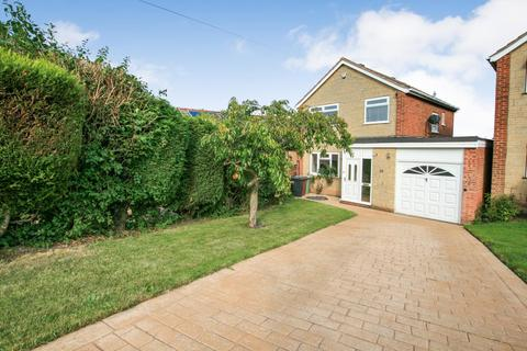 3 bedroom detached house for sale - Shakespeare Crescent, Dronfield, Derbyshire, S18 1ND