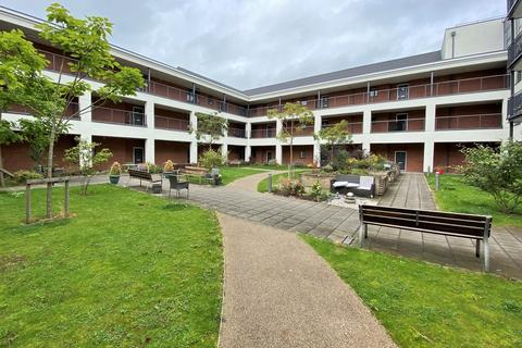 2 bedroom apartment for sale - Queensway Court, Leamington Spa