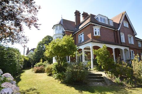 2 bedroom apartment for sale - Priory Road, Felixstowe