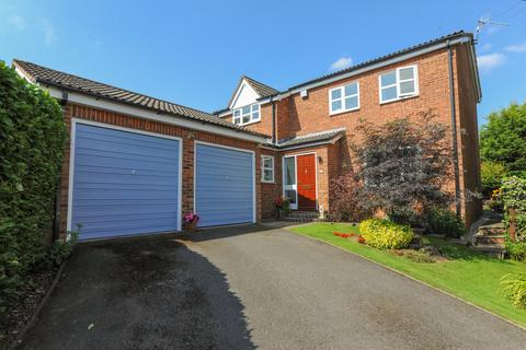 4 bedroom detached house for sale - Caudwell Close, New Tupton, Chesterfield