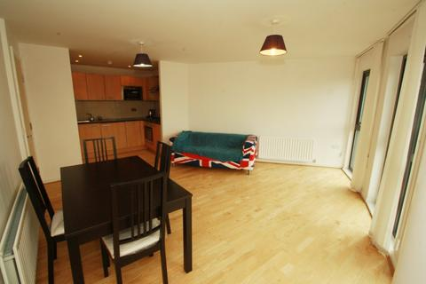 2 bedroom apartment to rent - Mannock Close, London NW9