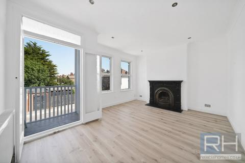 2 bedroom apartment for sale - Rusper Road, London, N22