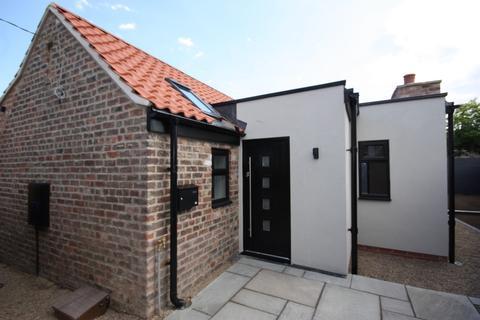 2 bedroom detached bungalow for sale - Butt Lane, Beverley