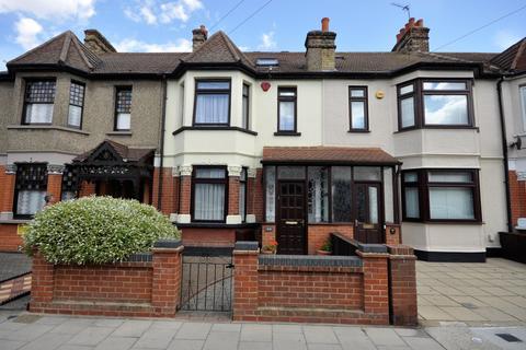 4 bedroom terraced house for sale - Marlborough Road, Romford