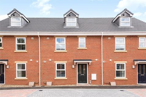 3 bedroom terraced house for sale - Cosway Court, Wanborough Road, Swindon, Wiltshire, SN3