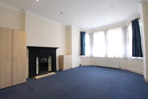 2 bedroom apartment to rent - Lakeside Road, London