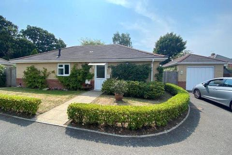 3 bedroom bungalow for sale - Foxholes Road, Poole, Dorset, BH15