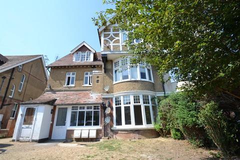 Studio to rent - 62 Norfolk Road, Littlehampton, West Sussex, BN17 5HB