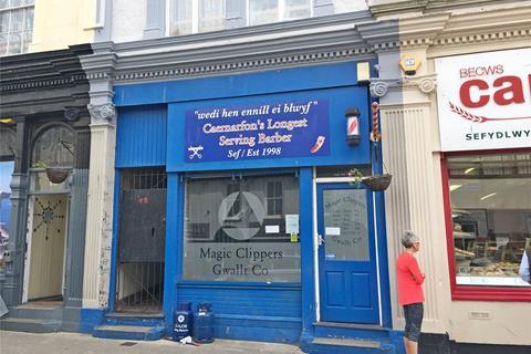 Retail property (high street) to rent - Bangor Street, Caernarfon, Gwynedd, LL55