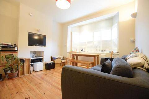 2 bedroom flat to rent - Stockwell Park Walk, London SW9