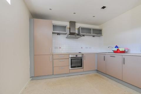 2 bedroom property to rent - The Decks, Runcorn