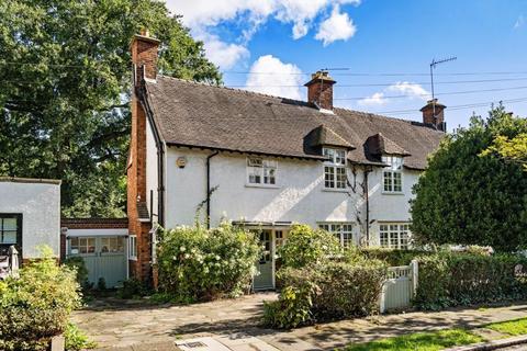 3 bedroom semi-detached house for sale - Oakwood Road, Hampstead Garden Suburb