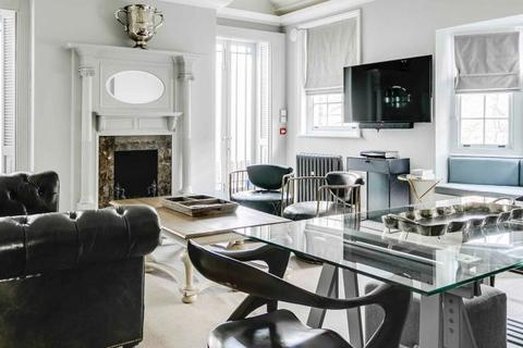 4 bedroom flat to rent - North Audley Street, Mayfair, W1K