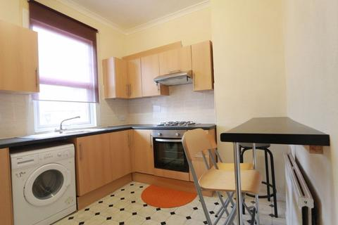 3 bedroom flat to rent - Myddleton Road, Bounds Green N22