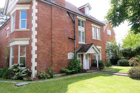 Studio to rent - Crabton Close Road, Boscombe, Bournemouth, BH5