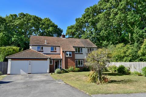 4 bedroom detached house for sale - Badgers Copse, New Milton, BH25