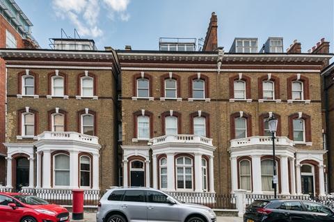 3 bedroom flat for sale - Roland Gardens, Kensington, London