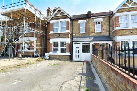 5 bedroom semi-detached house for sale - Thornbury Road, Isleworth