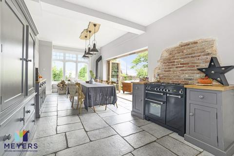 6 bedroom detached house for sale - Southbourne Road, Southbourne, BH6