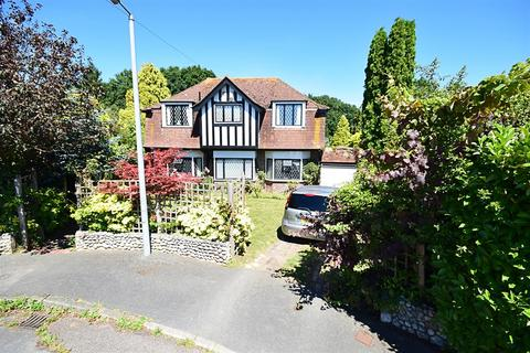 4 bedroom detached house for sale - Howards Crescent, Bexhill-On-Sea