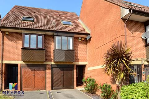 3 bedroom terraced house for sale - Sixpenny Close, Parkstone, Poole, BH12