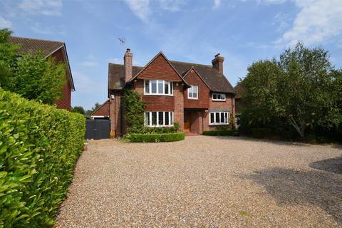 4 bedroom house to rent - Wendover Road, HP22