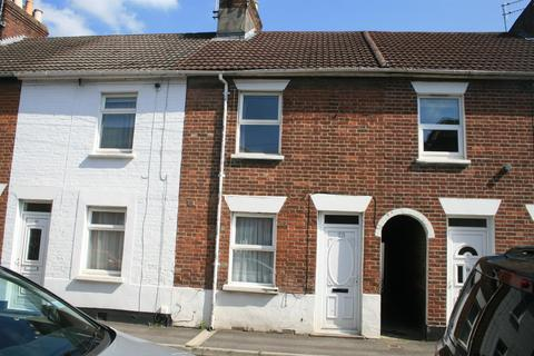 2 bedroom terraced house to rent - SALISBURY - Meadow Road