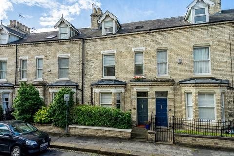 4 bedroom townhouse for sale - Feversham Crescent, York